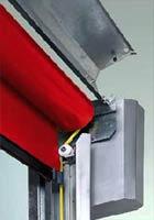 В скоростных воротах Hormann V2515 FOOD кожух из высококачественной стали можно легко открыть.