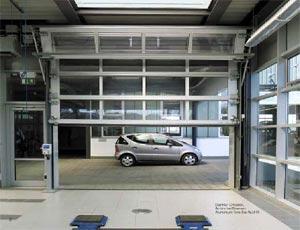 Теплые секционные ворота Hormann ALU-R из алюминия серии compact для промышленных объектов.