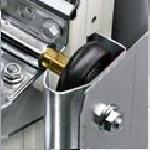 Удобство замены шин секционных ворот Hormann