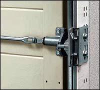 Защита от взлома с помощью устройства запирания с защелкой