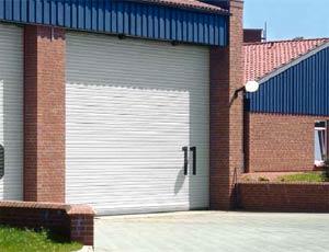 Рулонные ворота Hormann профиль HR120 с одинарной стенкой из стали или алюминия