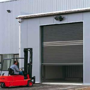 Скоростные ворота Hormann рулонного типа HSR из алюминия.