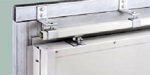 Надежный верхний регулируемый подвес для откатных ворот Hormann LSP.
