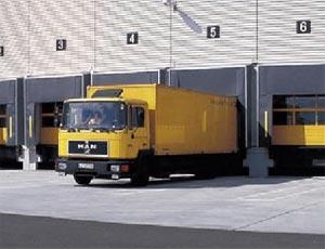 Стальные секционные ворота Hormann TPU 40 из сэндвич панелей для промышленных объектов.