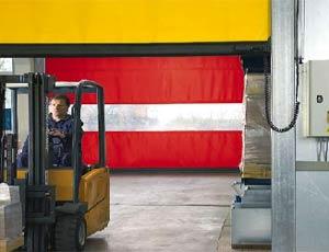 Скоростные ворота Hormann наружнего применения с системой защиты от наезда.